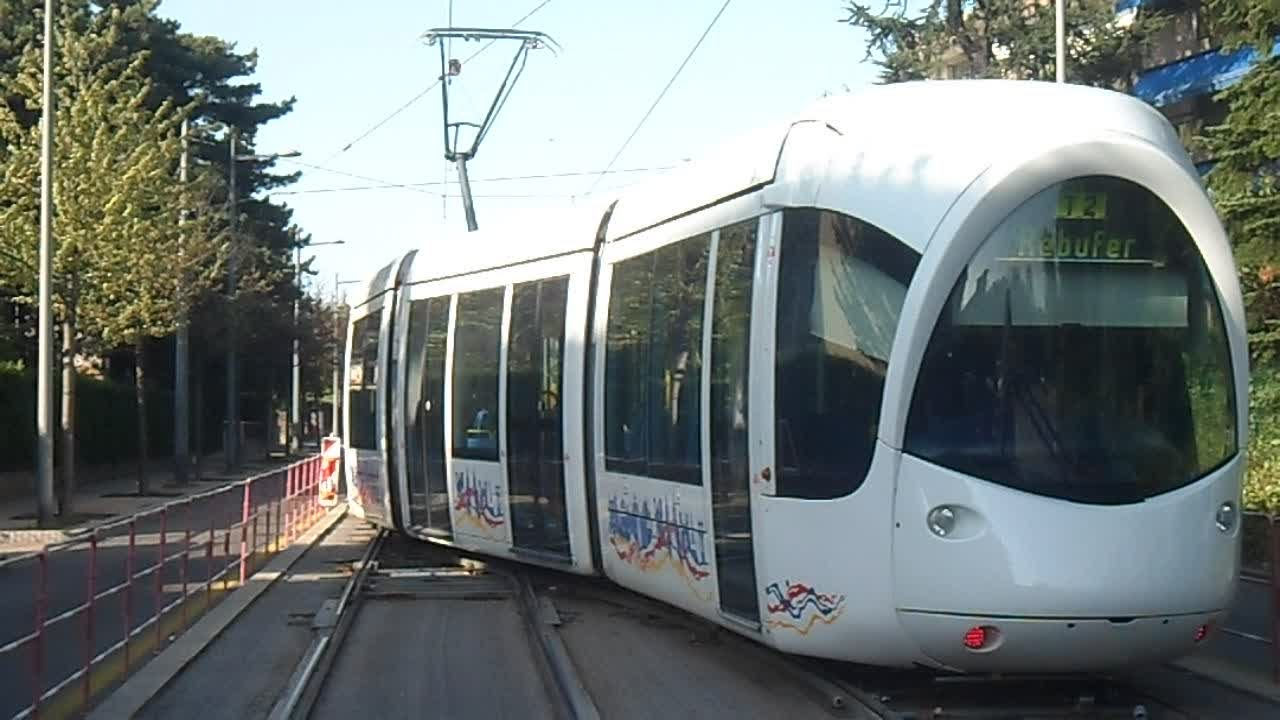 Lyon tramway t2 aiguillage californien rebufer youtube - Tram t2 lyon ...