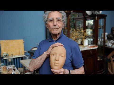 Murió el escultor Antonio Pujia, maestro en el arte de usar cera de abejas en sus obras