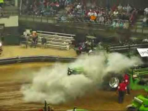 2014 NFMS 10,000 Pro Stock Tractors Pull at louisville, KY
