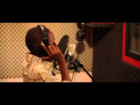 (SWAG KID) - 11 YEAR OLD RAPPER FREESTYLING IN C7 STUDIOS OSU GH