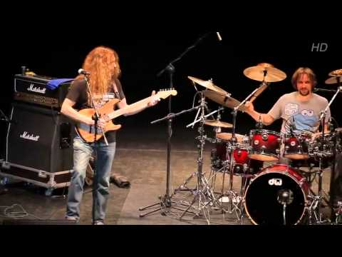 Guthrie Govan, Marco Minnemann, Bryan Beller  - Live - video