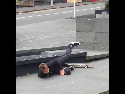 Fuckin bird🖕🏻@blakecarpenter | Shralpin Skateboarding