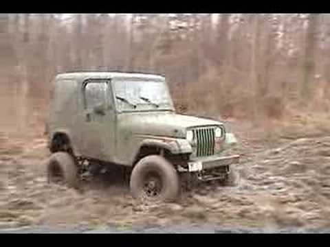 jeeps playing in mud Video