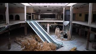 """the middle"" inside an empty mall"