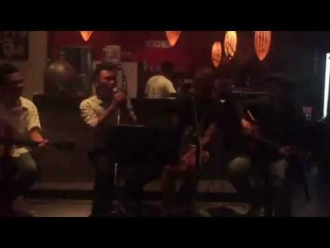 01.25.13 [Bali, Indonesia] Singing Backup with Local Cover Band Bali Style! =)~