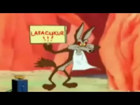 Coyote finalmente alcanza y se come al Correcaminos