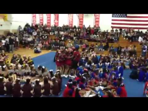 Bloomfield high school cheerleaders
