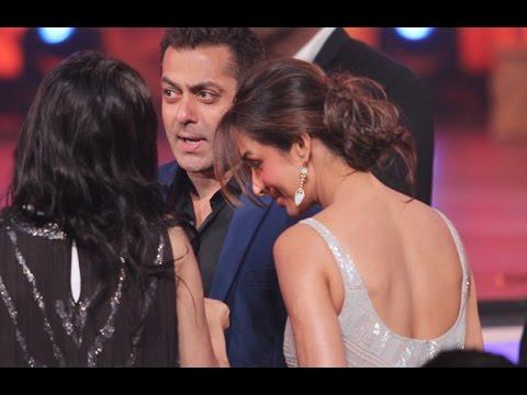 Salman Khan And Malaika Arora Khan Hug Out Their Differences!