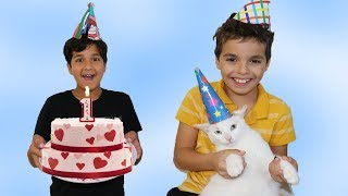 Happy Birthday My Cat !! 1 Year!  pretend play funny videos for kids, les boys tv