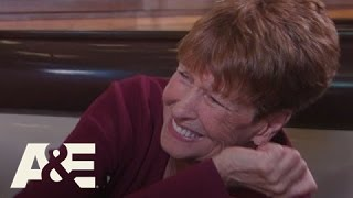 video Wahlburgers: From a Trunk to Toronto (S3, E10)
