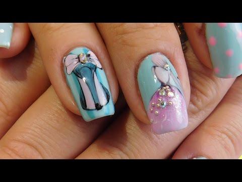 Девушка на ногтях в платье
