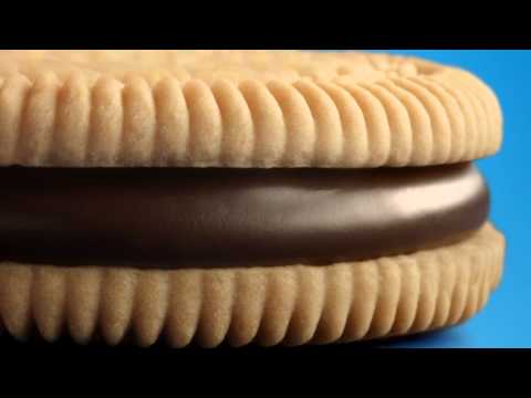 Chinese Golden Oreo ad featuring