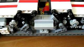 LEGO Power Functions Commuter Train with automatic sliding doors 2