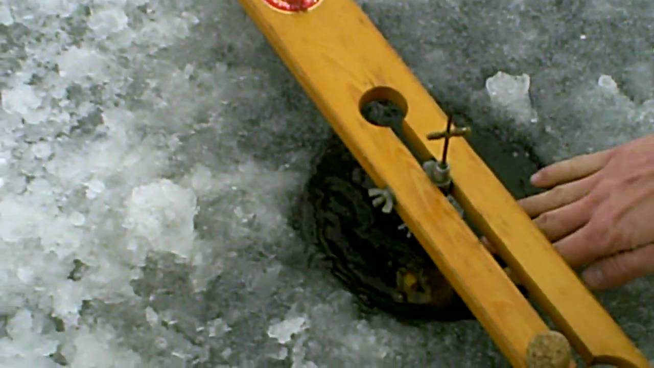 Wisconsin walleye on a beaver dam ice fishing youtube for Beaver dam ice fishing
