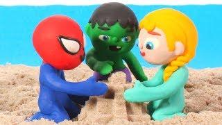 SUPERHERO BABIES MAKE A SAND CASTLE ❤ Spiderman, Hulk & Frozen Elsa Play Doh Cartoons For Kids