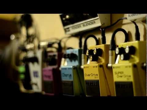 Nikon D5100: Guitar Pedals Test