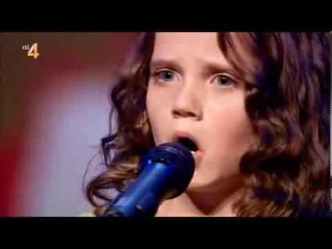 Download Holland Got Talent   Amira Willighagen   26 oktober 2013 Mp4 baru