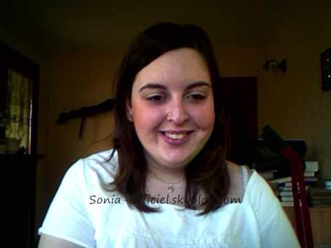 Miroir miroir sarah riani par sonia youtube for Sarah riani miroir miroir parole