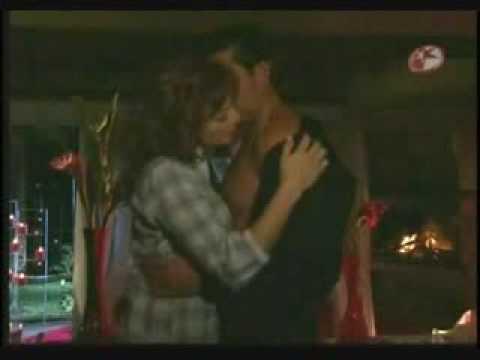 Fernanda y Franco (Eduardo) hacen el amor por primera vez