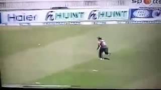 Nasir khan malazai took wicket