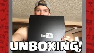 YOUTUBE SENT ME SOMETHING!? | PACKAGE UNBOXING