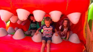 Outdoor Playground | Jumping on Inflatable Slides, Climbing Walls fun Kidscoco Family Playtime
