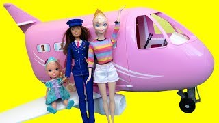 Airplane ! Elsa in Barbie's plane - Barbie is the pilot