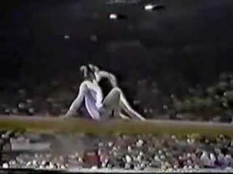Nadia Comaneci - 1976 Olympic Gold Balance Beam Routine Video