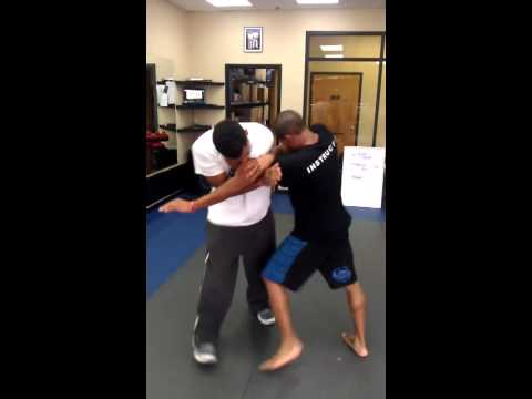 Baltimore San Da Chinese Kickboxing � Clinch Knee Image 1