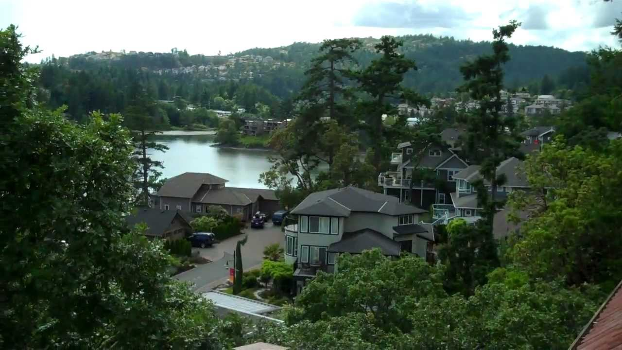 Luxury real estate victoria bc 5000 sqft home in view for Luxury homes victoria