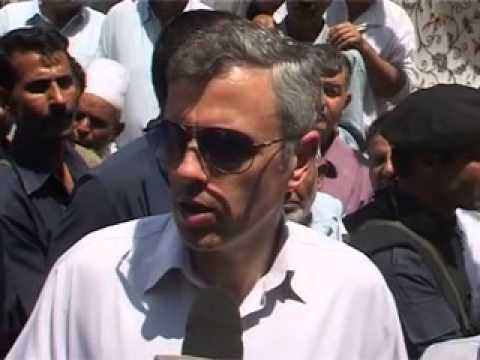 Omar abdullah today criticized former  UPA govt particularly Former PM Manmohan Singh