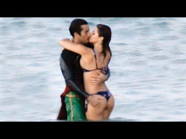 Aarón Díaz se come a besos ¡a su hermana de novela!
