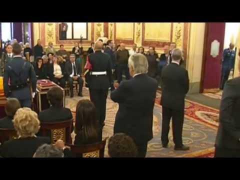 Funerales de Estado   Cambio de escolta fúnebre en capillas ardientes - Adolfo Suárez