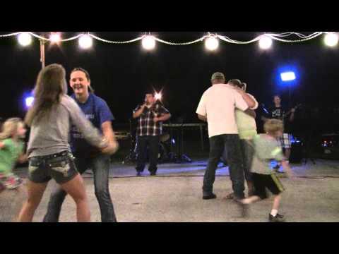Michael Goff And Broken Spoke - Big Green Tractor-jason Aldean Cover video