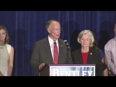 Robert Bentley speaks following reelection