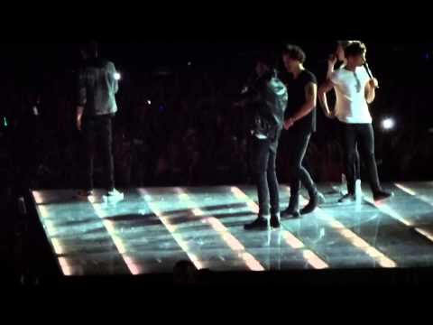 One Direction TMH tour - Twitter Questions HD Ziggo Dome Amsterdam 3/5/13