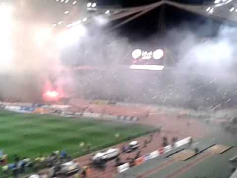 Ymnos Aek (aek - Olympiakos) video