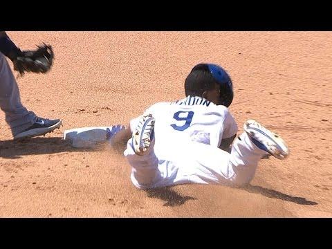 Gordon steals second base on a pitchout