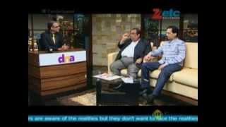 Satish Kaushik & Ratan Jain of Gang of Ghosts with Komal Nahta  - ETC Bollywood Business