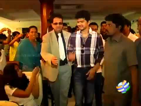 Vijay clears the air on Thuppakki