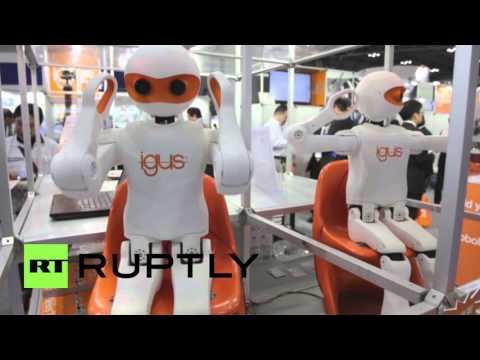 2015国際ロボット展ハイライト。面白ロボットが沢山登場!踊るロボットも。