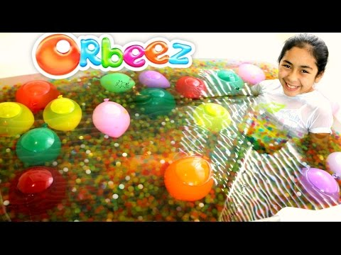 ORBEEZ BATH AND BALLOON EXPLOSION!! B2cutecupcakes