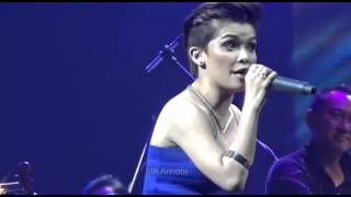 KZ Tandingan performs her amazing version of Royals in Solaire