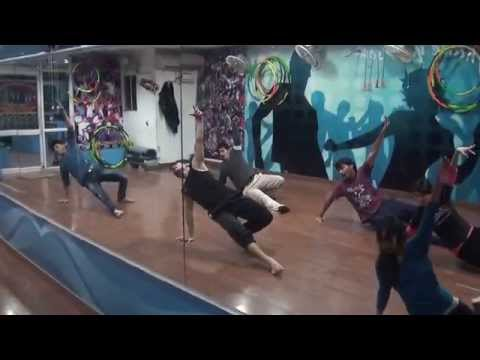 har kisi ko nahin milta yahan pyar zindagi mein choreography...