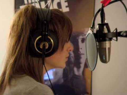 Emma Henry singing Hallelujah
