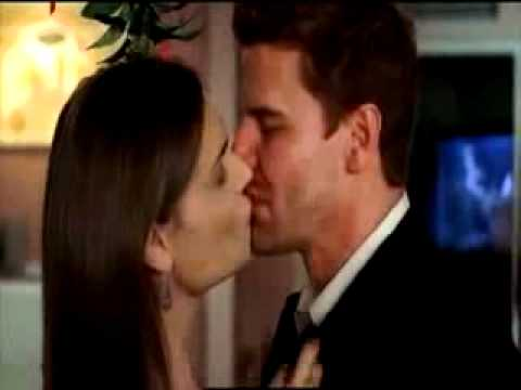 Bones - 3x09 - Christmas Kiss (Behind the Scenes) - YouTube Emily Deschanel And David Boreanaz Bones