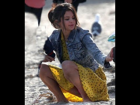 Selena Gomez Unveils It All   Upskirt, Cameltoe And See Through The Clothing thumbnail