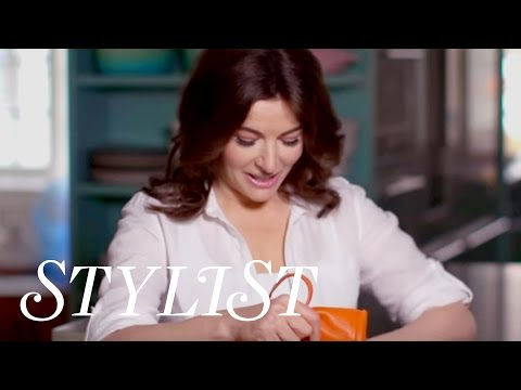 What's in my Handbag - Nigella Lawson