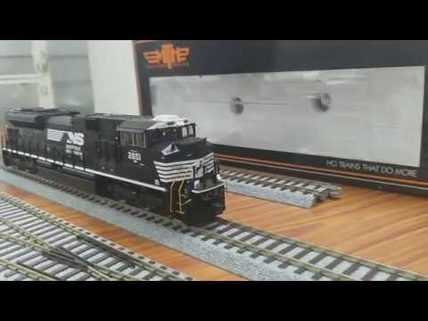 MTH HO SD70M-2 Diesel Loco Norfolk Southern #2651