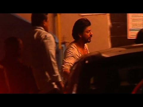 Shah Rukh Khan Spotted At Salman Khan's House